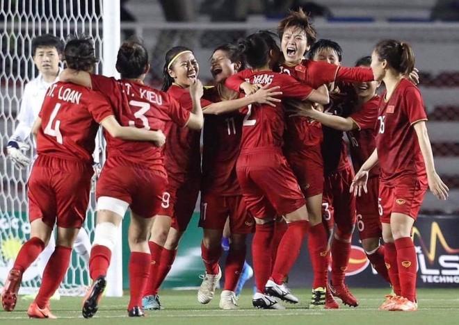 Đội bóng đá nữ Việt Nam nhận 22 tỷ đồng tiền thưởng sau thành tích giành HCV SEA Games lần thứ 6