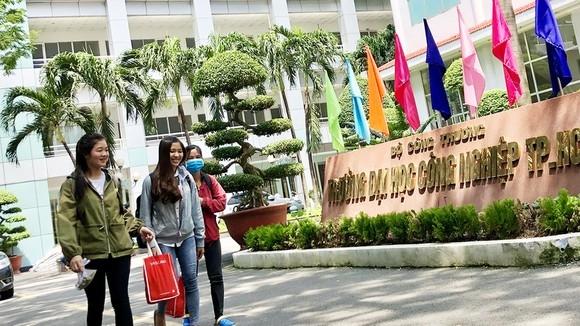 ĐH Công nghiệp TP HCM kỷ luật hơn 2.000 sinh viên vì tự ý bỏ học
