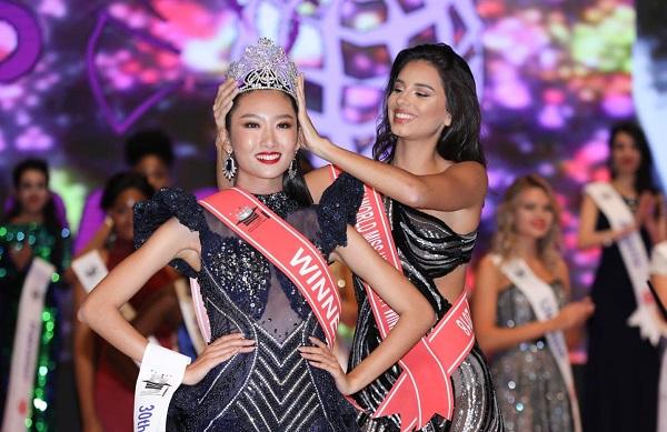 Đại diện Việt Nam tham dự cuộc thi Hoa hậu Sinh viên Thế giới, nữ sinh HUTECH xuất sắc đăng quang