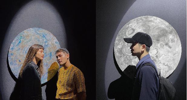 """Có gì ở """"Cục im lặng"""" - triển lãm gói gọn 20 năm của NTK Công Trí khiến giới fashion icon rần rần"""