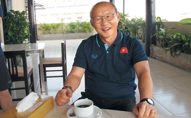 """Thầy Park trả lời câu hỏi liệu Việt Nam có phải nơi cuối cùng gắn bó: """"Tôi sẽ phải nghĩ tới việc nghỉ hưu"""""""