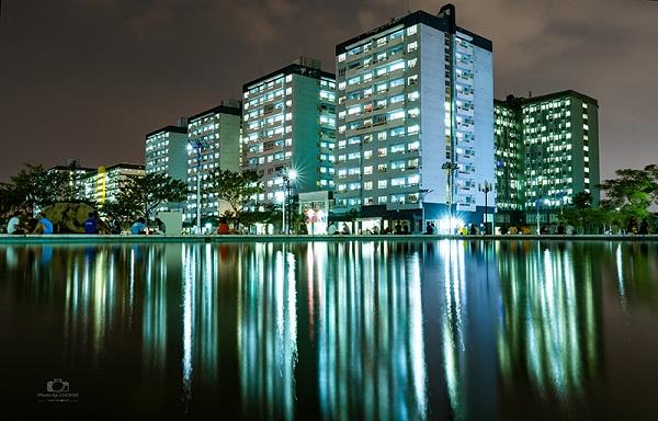 """KTX trường đại học """"nhà người ta"""" mà cứ ngỡ như khu chung cư cao cấp khi đêm về long lanh ảo diệu"""