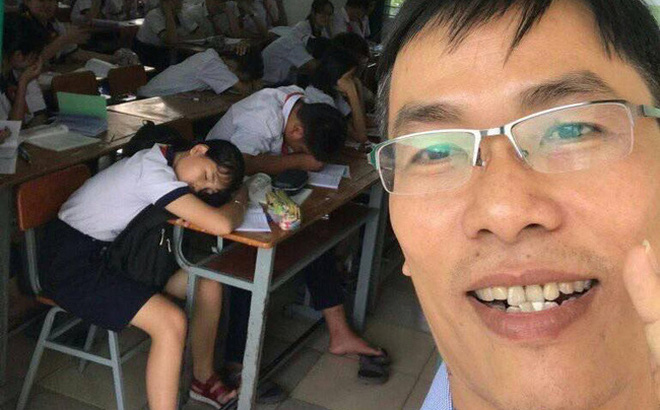 Thấy học sinh ngủ gật la liệt trong lớp, thầy hiệu phó làm ngay một tấm ảnh selfie khiến dân tình phục sát đất