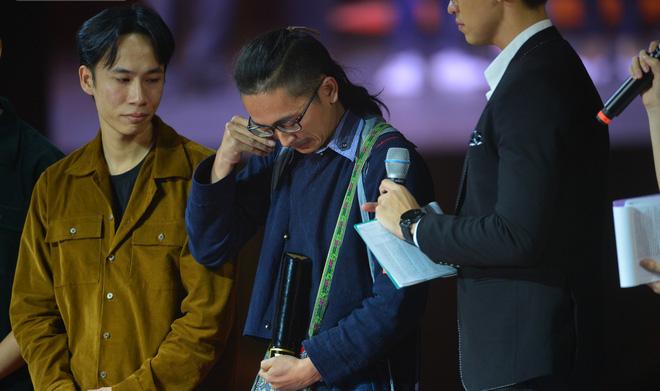 Chàng trai H'Mông đầu tiên theo học Đại học Fulbright chia sẻ xúc động khi nhận giải WeChoice Awards 2019