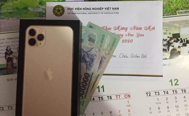 """Thực hư chuyện trường """"người ta"""" tặng quà Tết ít thì vài triệu, """"chất"""" có nơi tặng cả iPhone 11"""
