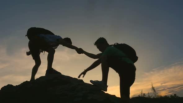 5 kiểu người thường gặp may mắn trong cuộc sống và được nhiều người giúp đỡ