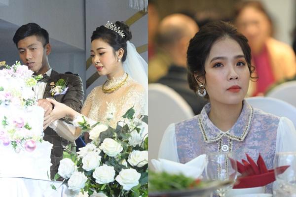 Không nhận ra bạn gái tin đồn Quang Hải ở đám cưới Văn Đức: Nhan sắc khác lạ, không giống ảnh selfie