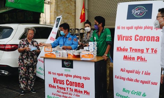 TP HCM phát 100.000 khẩu trang miễn phí tại bến xe, ga tàu, bệnh viện để phòng dịch Corona