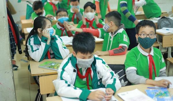 Sở GD&ĐT Hà Nội và TP HCM đồng loạt thông báo cho học sinh nghỉ học 1 tuần phòng dịch Corona