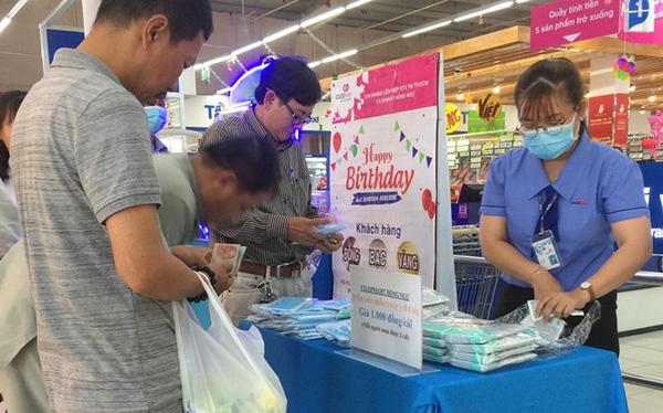 Chuỗi hơn 800 siêu thị tại Việt Nam đưa ra thị trường 200.000 khẩu trang và 10.000 chai nước rửa tay mỗi ngày, cam kết bán đúng giá