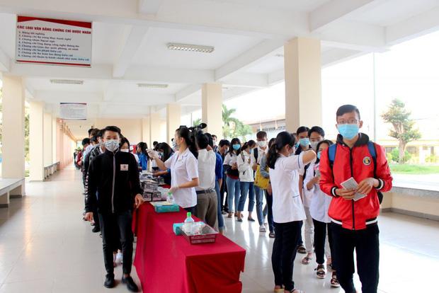 HOT: Một trường đại học phía Nam cho sinh viên nghỉ học 6 tuần phòng dịch Corona