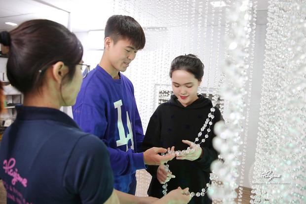 Đám cưới cổ tích Duy Mạnh - Quỳnh Anh: Tổ chức ở khách sạn bậc nhất, trang hoàng bởi 500.000 viên pha lê