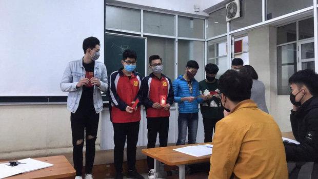Sinh viên vẫn phải đeo khẩu trang đi học giữa dịch Corona, đại diện trường ĐH Công nghiệp Hà Nội lên tiếng