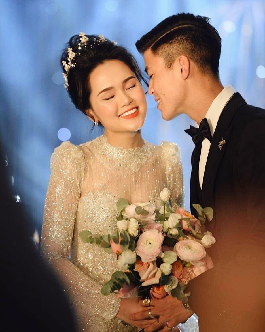"""""""Vã"""" lấy vợ còn hối lộ Duy Mạnh 50k để được bắt hoa cưới, Phở """"quạo"""" vì cuối cùng người trúng lại là Mạc Văn Khoa"""