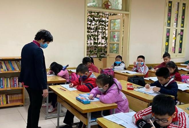 Bộ GD&ĐT khẳng định không thể nghỉ học 3 tháng mùa xuân, đi học 3 tháng mùa hè