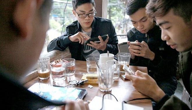 7 thói quen xấu khi sử dụng smartphone có thể hủy hoại mối quan hệ của bạn với người thân