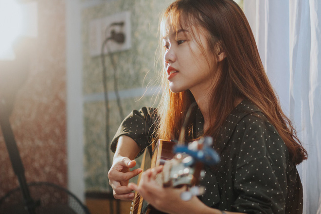 """Nữ sinh dễ thương khiến dân mạng """"tan chảy"""" với bản cover bài hát tiếng Trung: Âm nhạc không thể thiếu trong cuộc sống"""
