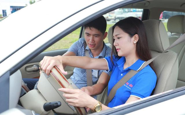 """Thực hư chuyện tăng học phí lái xe ô tô lên 30 triệu đồng: Chiêu trò """"dụ dỗ"""" người học?"""