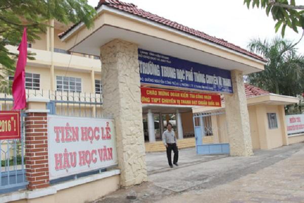 Trường cho cả khối 12 nghỉ học vì phát hiện một học sinh ho, sốt trong ngày đầu đi học trở lại