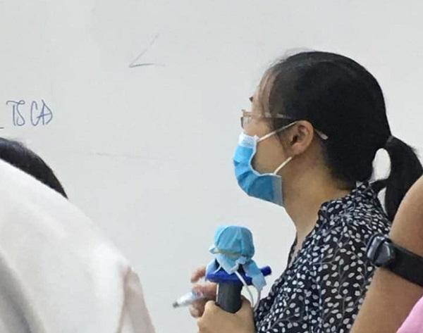 """Cô giáo dạy học với biện pháp phòng dịch Covid-19 siêu """"bá đạo"""", thách thức mọi loại virus bén mảng"""