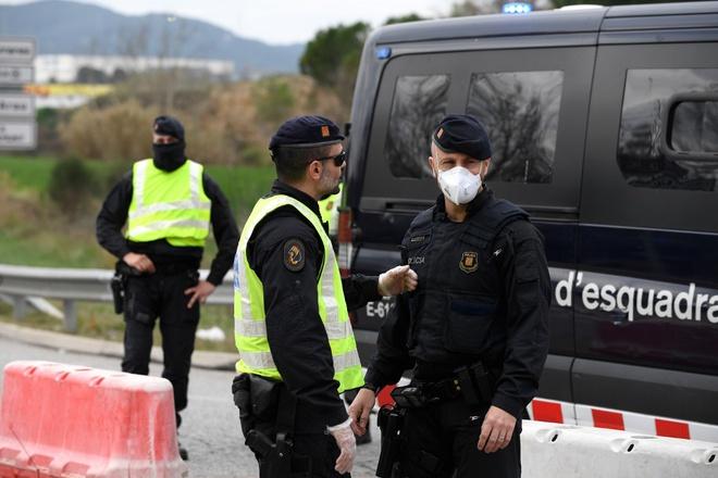 Covid-19: Tây Ban Nha phong tỏa đất nước ít nhất 15 ngày