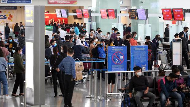 Gần 1.200 khách từ vùng dịch về sân bay Nội Bài trong hôm nay 20/3