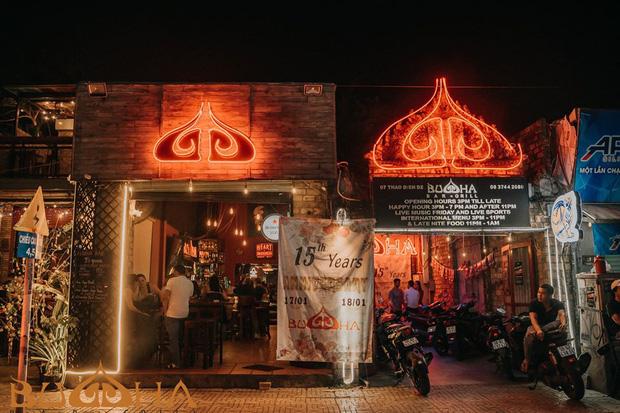 """Quán bar """"ổ dịch"""" Covid-19 giữa Sài Gòn khiến dân mạng bức xúc với lời giải thích về việc mở cửa phục vụ trong thời điểm nhạy cảm"""