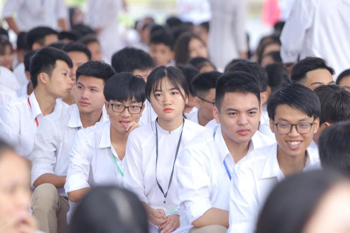 Hà Nội tiếp tục cho tất cả học sinh các trường nghỉ tránh dịch đến ngày 15/4