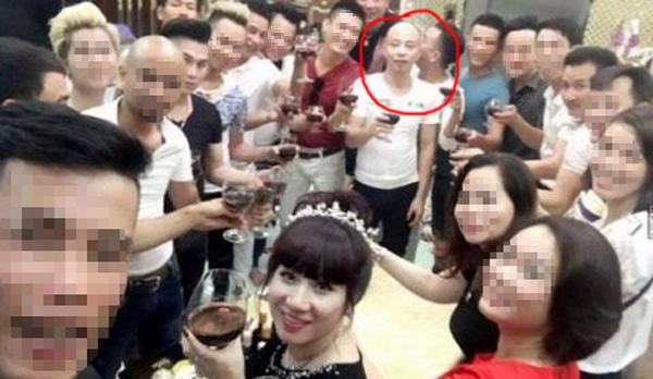 """Cận cảnh buổi sinh nhật """"chất chơi"""" của đại gia Đường Nhuệ trước khi """"sa lưới"""""""