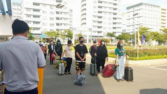 Sinh viên bắt đầu quay trở lại ký túc xá ĐH Quốc gia TP HCM để chuẩn bị nhập học
