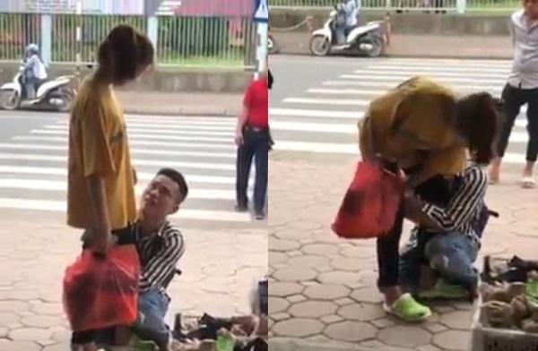 Mặc người xung quanh khuyên nhủ, chàng trai quỳ gối khóc lóc cầu xin bạn gái đừng chia tay
