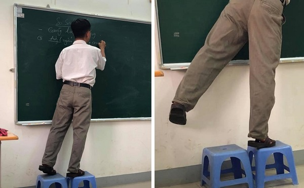 Hình ảnh dễ thương: Thầy không cao nhưng trò vẫn phải ngước nhìn bởi thầy vẫn tự tin bắc ghế viết kiến thức lên bảng