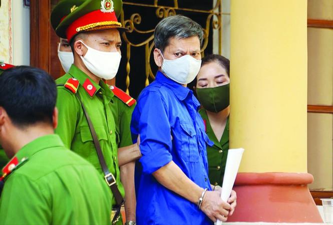 Xét xử gian lận điểm thi ở Sơn La: Phó giám đốc Sở giáo dục tranh cãi gay gắt với cấp dưới