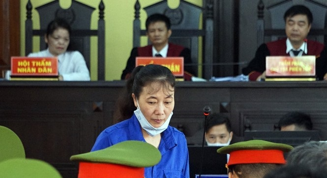 """Xét xử gian lận điểm thi ở Sơn La: """"Nếu không sửa bài, nâng điểm sẽ không tồn tại được"""""""