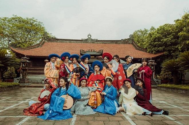 Học sinh Nam Định đầu tư 21 triệu cho bộ ảnh kỷ yếu theo phong cách phim cổ trang gây sốt