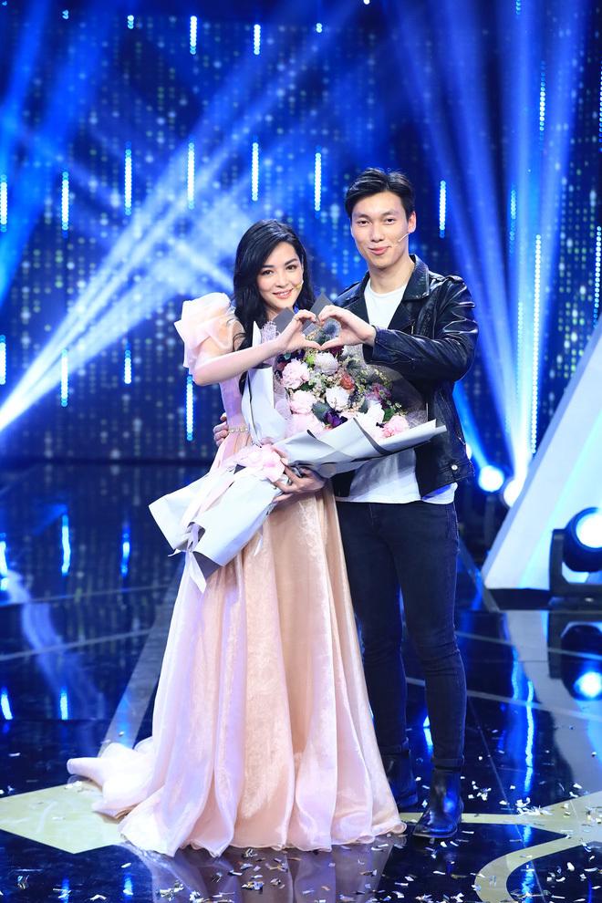 """Cặp đôi đẹp nhất """"Người ấy là ai"""" - Vũ Thanh Quỳnh, Alan Phạm nhá hàng khoảnh khắc ngọt ngào, ẩn ý công khai?"""