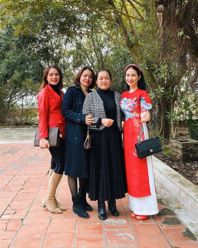 Mỹ nhân Việt chi tiền tỷ xây nhà báo hiếu bố mẹ: Ai là người chi nhiều nhất? 1