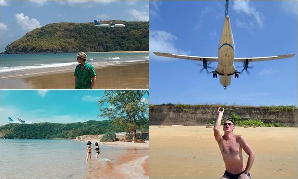"""Máy bay hạ cánh ngay cạnh nơi du khách... tắm biển chỉ có ở Việt Nam khiến khách Tây """"vừa sợ vừa thích"""""""