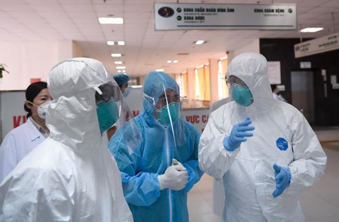 Thêm 1 ca mắc Covid-19 từ Anh về, Việt Nam có 329 người nhiễm virus corona