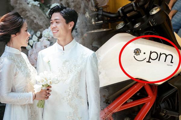 """Công Phượng để lộ """"dấu hiệu tình yêu"""" với bà xã Viên Minh trên """"xế cưng"""" của mình"""
