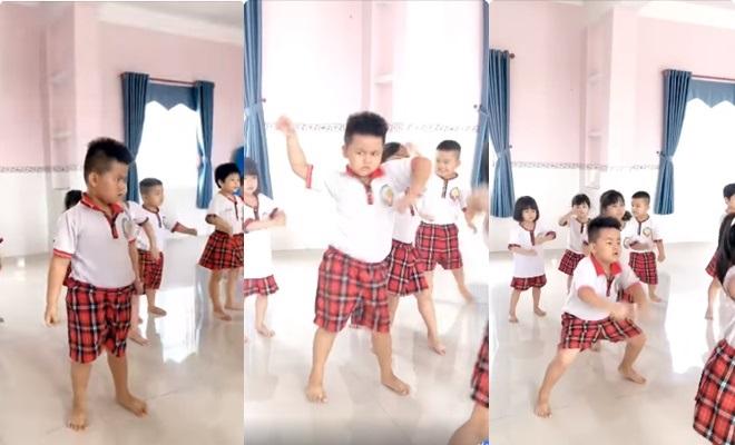 """Cậu bé tỏa sáng trong lớp học nhảy với thần thái """"thanh niên nghiêm túc"""" trong màn nhảy """"chất lừ"""""""