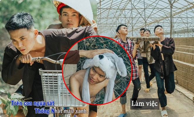"""Kỷ yếu phong cách """"1977 Vlog"""" của học sinh Đắk Lắk khiến dân tình """"lụi tim"""" với ý tưởng độc đáo, dàn diễn viên """"chất lượng"""""""