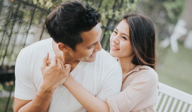 """10 dấu hiệu cho thấy chàng """"bật đèn xanh"""" trong mối quan hệ tình cảm với bạn"""
