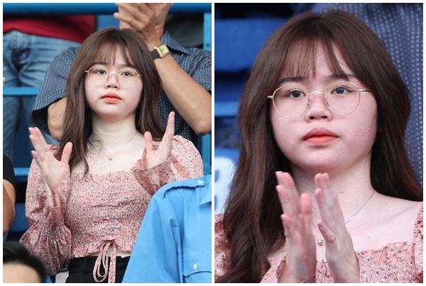 """Loạt biểu cảm """"Ok, tôi ổn"""" của bạn gái tiểu thư nhà Quang Hải chiếm spotlight nhất MXH vừa qua"""