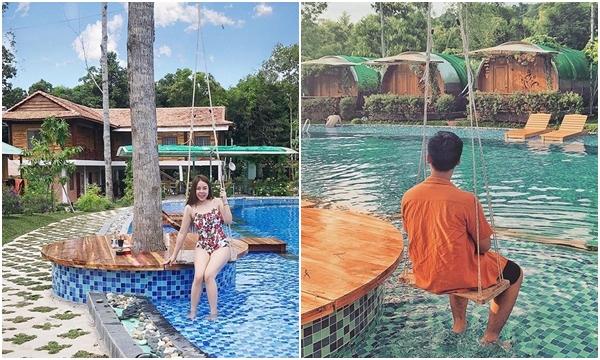 """Chiếm trọn spotlight hè này là Bungalow """"bìa rừng"""" còn sát gần biển đẹp nhất nhì Phú Quốc"""
