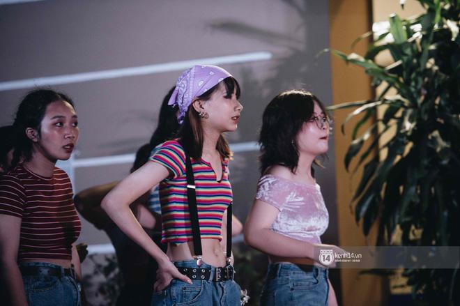 """Nữ sinh trường Kim Liên gây sốt trong tiết mục văn nghệ đêm trưởng thành tiết lộ chưa """"crush"""", cần """"một nửa đúng duyên"""""""