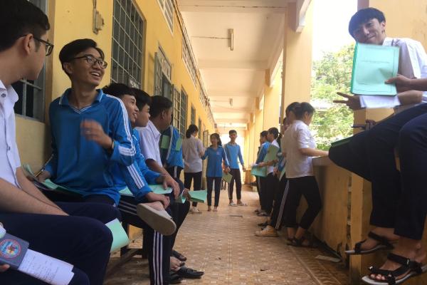 Rủ nhau trốn giờ học phụ đạo, tới tiết học chính khóa nhóm học sinh sững sờ vì đồng loạt bị đuổi khỏi lớp