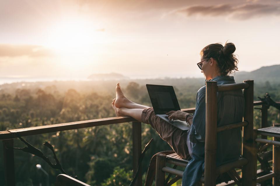 3 điều đáng lưu tâm khi cân nhắc bắt đầu cuộc sống của một người du mục công nghệ số