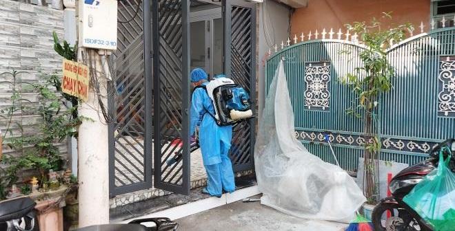Nhiều học sinh tiếp xúc gần với giáo viên là vợ bệnh nhân 418 ở Đà Nẵng