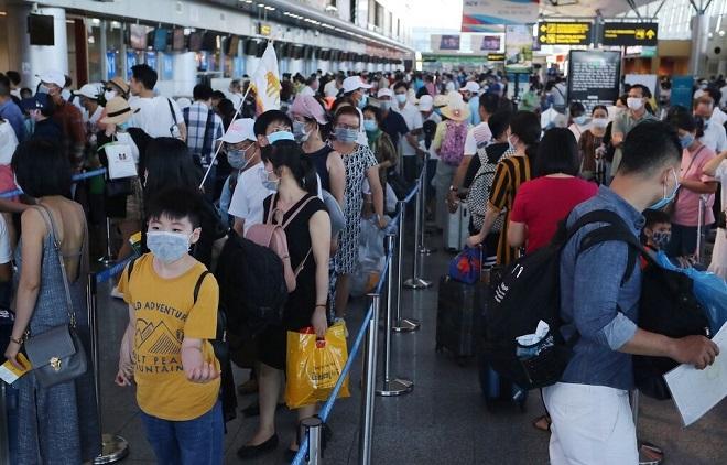 20 nghìn người từ Đà Nẵng sẽ về Hà Nội, nguy cơ dịch lây lan cao